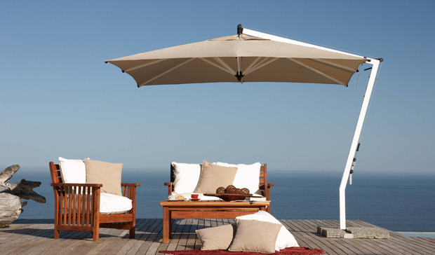 Outdoor furniture accessories decorassistant to the for Restoration hardware outdoor umbrellas